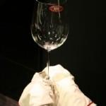 グラスの安全な【拭き方】を伝授します!!